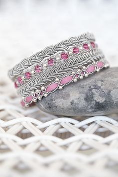 Swarowskipärlor i färgen Blue zircon AB Jewelery, Jewelry Bracelets, Bangles, Blue Zircon, Hobbies And Crafts, Jewelry Design, Beads, My Style, Ring