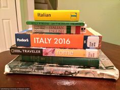 How #BlueHens prepare to study abroad. Photo by Melissa Jerome aka @BlueHenMel on Twitter. #UDAbroad