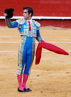 Spanish-style bullfighting - Wikipedia