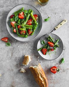 Need a quick and light recipe Inspo? 🍓🌱