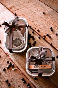 Cake Boxes Packaging, Bake Sale Packaging, Brownie Packaging, Baking Packaging, Dessert Packaging, Food Packaging Design, Dessert Boxes, Baking Business, Cafe Food