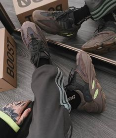 Fashion Yeezy Boost 350 380 500 700 running shoes. Sneakers 2020 autumn and winter trends. Fly Shoes, Cute Shoes, Running Shoes, Kanye West, Discount Sneakers, Yeezy Outfit, Adidas Sneakers, Shoes Sneakers, Baskets Adidas