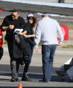 Kristen leaving L.A  12-09-13