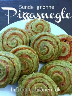 Green pizza snail with spinach - Right up to the moon - Children& food day Food N, Good Food, Food And Drink, Healthy Cooking, Healthy Snacks, Healthy Recipes, Road Trip Food, Childrens Meals, Carne Asada