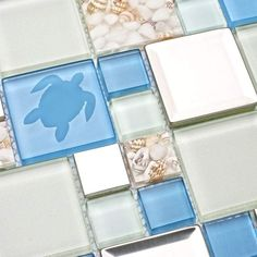 10 Beach Style Backsplash Tiles for your Coastal Kitchen or Bathroom - An awesome roundup of beach chic backsplashes to add coastal flair and personality to your home! Beach Cottage Style, Coastal Cottage, Beach House Decor, Coastal Style, Coastal Decor, Coastal Homes, Coastal Living, Goin Coastal, Coastal Entryway