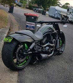 Harley Vrod Custom - Harley Davidson Bike Pics - Any custom Custom Motorcycle Helmets, Bobber Motorcycle, Moto Bike, Cool Motorcycles, Motorcycle Accessories, Women Motorcycle, Harley Davidson Chopper, Harley Davidson Scrambler, Vrod Custom