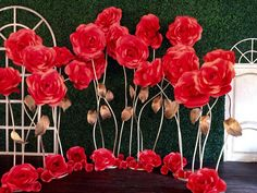 Red roses backdrop