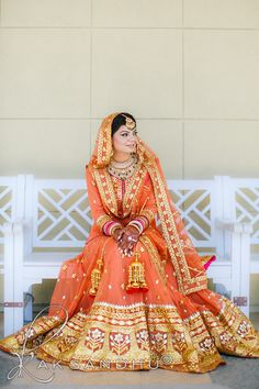This app includes a collection of best handpicked Indian Bridal Dresses. Indian Bridal Fashion, Indian Bridal Wear, Indian Wedding Outfits, Indian Outfits, Indian Weddings, Bride Indian, Indian Wear, Desi Wedding, Wedding Bride