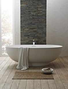 free-standing-bath-in-a-luxury-sized-bathroom