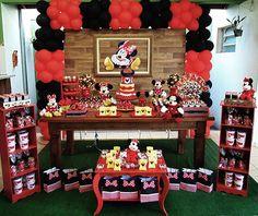 Delicadeza e bom gosto foi o que a Duetto Festas escolheu para essa linda festa da Minnie Vermelha.  Festa Minnie I Festa Minnie Vermelha