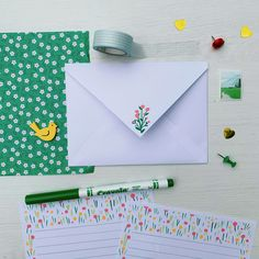 Cute Writing, Writing Paper, Letter Writing, Pen Pal Letters, Cute Letters, Origami Crane Tutorial, Diy Arts And Crafts, Paper Crafts, Scrapbook Letters
