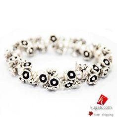 Enjoy metallic bracelets...