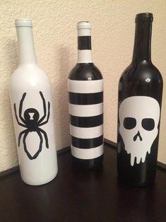 Wine Bottle Art, Glass Bottle Crafts, Painted Wine Bottles, Diy Bottle, Decorated Bottles, Crafts With Wine Bottles, Reuse Wine Bottles, Glitter Wine Bottles, Beer Bottles