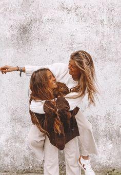Best Friends Shoot, Best Friend Poses, Cute Friends, Photos Bff, Friend Photos, Foto Best Friend, Poses Photo, Cute Friend Pictures, Cute Poses