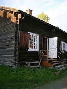 andearvetmitt.blogspot.com Little Cabin, Small House Design, Sweden, Garage Doors, Outdoor Structures, Random, Outdoor Decor, Beauty, Home Decor