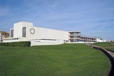 De La Warr Pavilion, Bexhill-on-Sea,. (C) Oast House Archive Space Place, East Sussex, Urban Design, Pavilion, Modern Architecture, Art Deco, Exterior, Colours, Sea