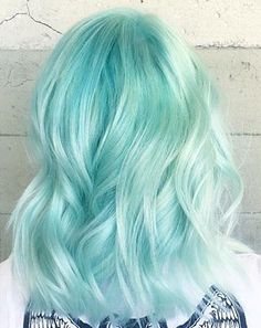 Come to the vibrant hair colouring courses fin London: a good tuition fee - practice and theory from the l'Ecole de Beauté School. Mint Hair, Pastel Hair, Mint Green Hair, Beautiful Hair Color, Cool Hair Color, Hair Colour, Aesthetic Hair, Hair Dye Colors, Coloured Hair