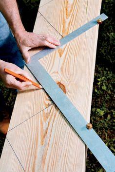 Gartentreppe aus Holz selber-bauen-anleitung-treppenwangen-bleistift-holzbrett-markieren