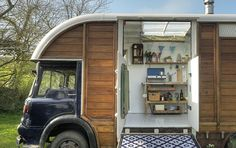 43 Ways to Transform Your Old Van Into a Cool Mobile Home Truck House, Bus House, Tiny House Living, Rv Living, Horse Box Conversion, Bedford House, Automotive Shops, Stationary Shop, Truck Camping