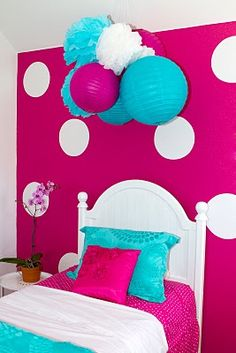 I love the colors together for laneys room