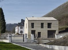 Image 24 of 30 from gallery of Cantzheim Vineyard Manor House / Max Dudler. Photograph by Stefan Müller