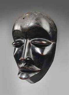dan we bird mask Arte Tribal, Tribal Art, African American Art, African Art, Egyptian Kings And Queens, Rose Croix, Statues, Bird Masks, African Sculptures