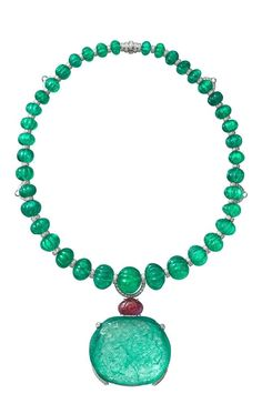 """CARTIER """"Rajasthan"""" Necklace: platinum, one carved antique cushion-shaped Century emerald from Colombia, thirty-nine melon cut emerald beads from Afghanistan, one carved ruby, brilliant-cut diamonds. Cartier Jewelry, Emerald Jewelry, High Jewelry, Antique Jewelry, Jewelry Box, Jewelery, Vintage Jewelry, Jewelry Accessories, Jewelry Necklaces"""