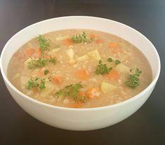 matfrabunnenfb.blogg.no – Egg og baconsalat (påleggssalat) Norwegian Food, Chop Suey, Coleslaw, Thai Red Curry, Soup, Eggs, Bacon, Dinner, Ethnic Recipes
