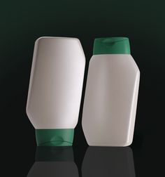 With its leaning angular contours, this distinctive design is ideal for brands wishing to make a statement. This multi-purpose pack features a snap neck designed to accommodate Spectra's stylish oval flip top closure. The Pendente can be used as a standard oval container or, when turned upside down, a unique looking tottle pack.