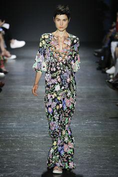 Vivienne Tam Spring 2017 Ready-to-Wear Fashion Show
