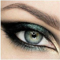 Emerald Smoky Eye.