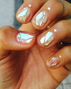 Women Are Getting Shattered-Glass Nails And It's As Awesome As It Sounds