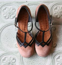 FRISBI :: SHOES :: CHIE MIHARA SHOP ONLINE