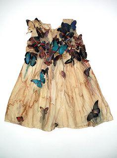 Louise Richardson's butterfly dress Fashion Kids, Butterfly Dress, Madame Butterfly, Girls Dresses, Summer Dresses, Work Dresses, Mode Style, Kind Mode, Ideias Fashion