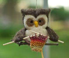 Owl knitting!  CUTE!
