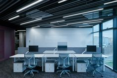 LIVESPORT – Offices Like A Machine Driven By Pilots - Picture gallery 1 Office Interior Design, Office Interiors, Architectural Technologist, Inspirational Leaders, Cafe Seating, Dynamic Design, Open Office, Acoustic Panels, Commercial Design