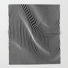 Minimal curves blanket by Leandro Pita