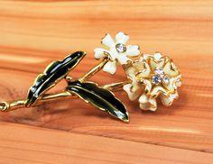 Monet enameled Flowers Brooch Gold Tone