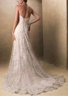 White Sleeveless Sweetheart Neckline Chapel Train Wedding Dresses