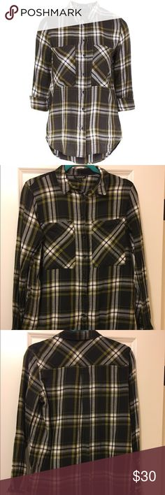Topshop Green Flannel Shirt Stylish green Button down flannel shirt with oversized front pockets. 100% cotton. Excellent condition. Only worn twice. Bought from Nordstrom.  NOTE: Tag says 8 but would fit a 6. Runs small in my opinion. Topshop Tops Button Down Shirts