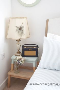 Stool makeover with dipped paint effect. I would love to have this kind of bedside table in my house.