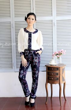 Ikat suit | Gandawati Flores Pant | DhieVine | Redefine You