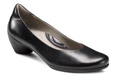 The Walking Company | Ecco | Sculptured Pump | Black | This looks comfy and would look great with a nice pair of suiting pants or a wool skirt...