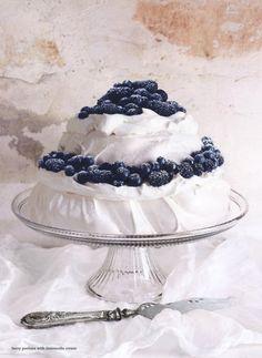 ... berry pavlova with limoncello cream ...