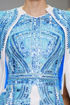 Love how these blue sequins shimmer like water.