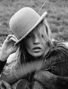 Tim Walker Photography - Kate Moss.  Love the hat.