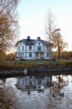 Beautiful Swedish home on the lake