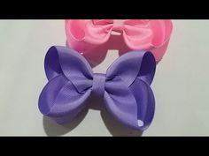 Espero que gostem da dica de hoje e se gostar deixe seu like 😉 Matéria: Fita N 9 milímetros) - centímetros Fita N 2 milímetros) - centímetros Cola quente Fita métrica Linha e agulha Alfinetes Isqueiro Redes so Ribbon Hair Bows, Diy Hair Bows, Diy Bow, Diy Ribbon, Ribbon Crafts, Mini Boutique, Boutique Hair Bows, Ribbon Bow Tutorial, Baby Hair Clips