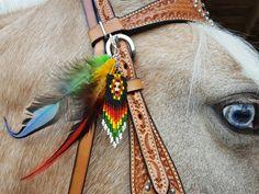 La cuatro estaciones con cuentas y plumas equino Mane o brida adorno - plumas de caballo joyería - traje de caballo estilo indio americano