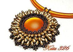 by Kata 326, pattern  Kovács Éva Bead Jewelry, Diy Jewelry, Handmade Jewelry, Fashion Jewelry, Unique Jewelry, Beaded Necklace, Pendant Necklace, Evo, Feathers